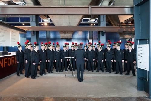 """Der """"Ruhrkohle Chor"""" bei der Eröffnung der Ausstellung """"Kohle Global"""" im Ruhrmuseum Essen"""